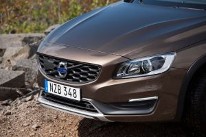 163223_volvo_v60_cross_country_model_year_2016_880x500