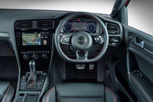 new-golf-gti-interior_001_880x500